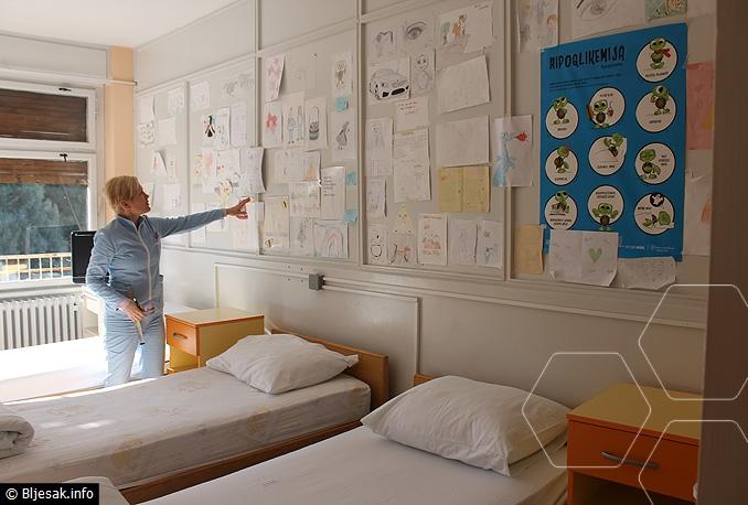 Veseli zid malenih pacijenata